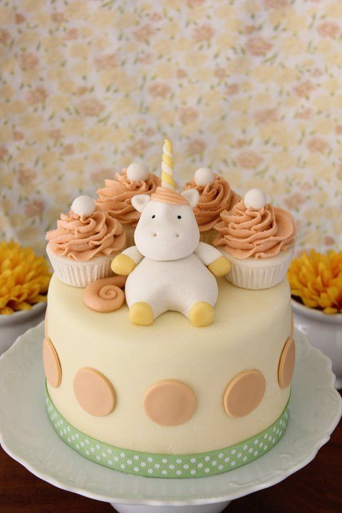 simple unicorn baby cake