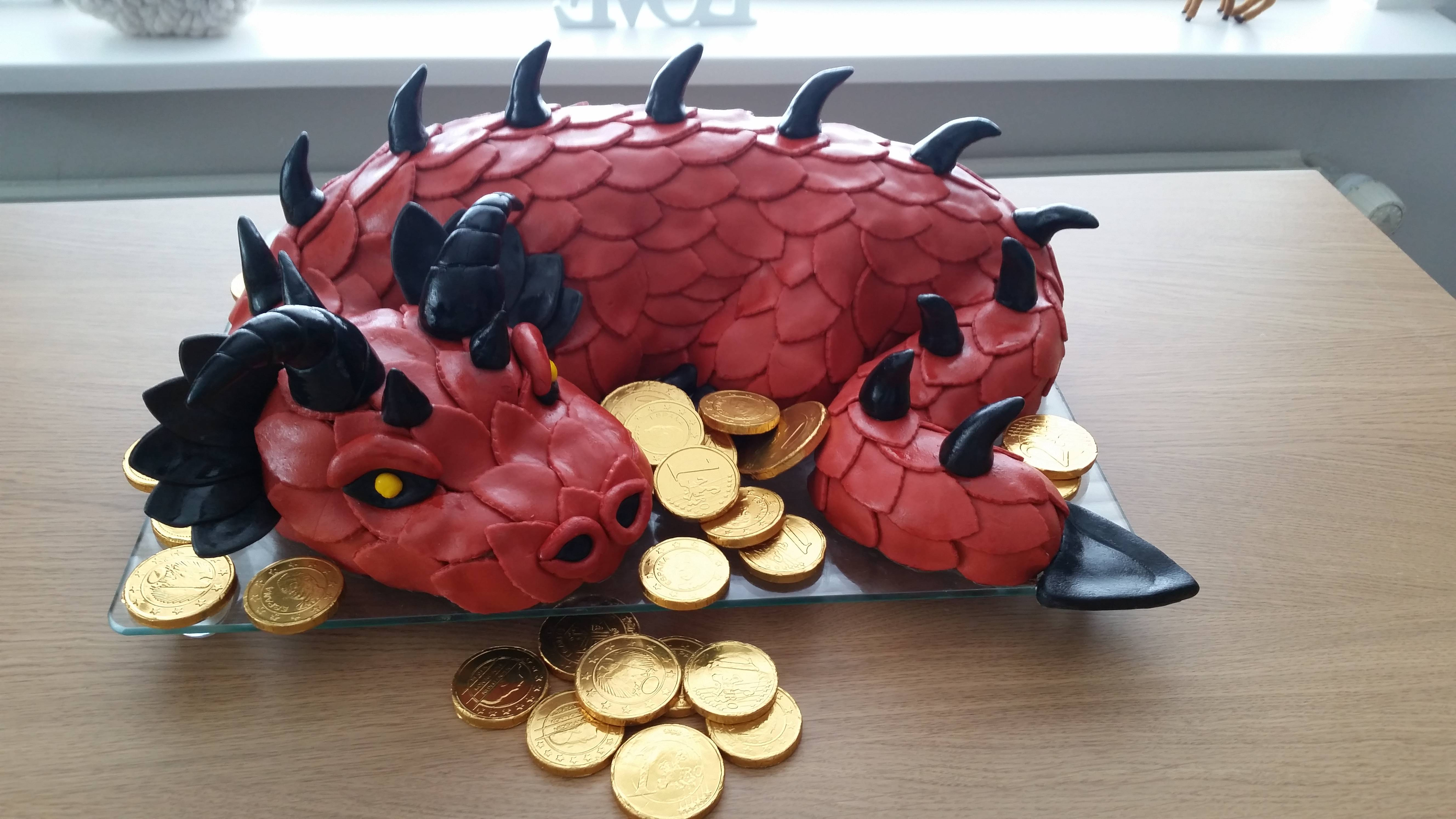really cool dragon cake